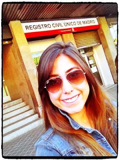 Saliendo por última vez del Registro Civil Único de Madrid